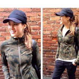 lululemon athletica Accessories - LULULEMON WHATSUP SAVASANA CAMO TRUCKER HAT UNISEX